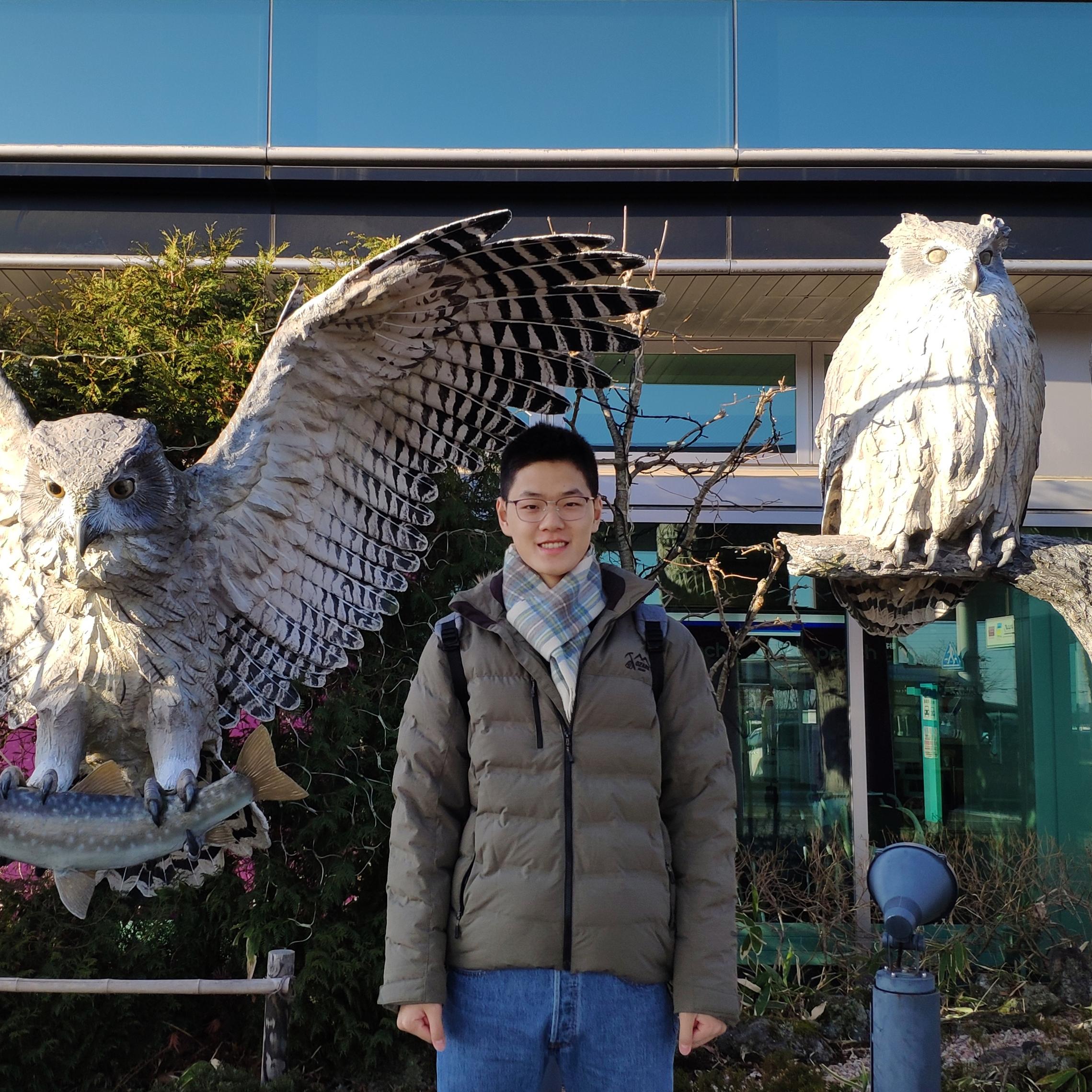 Yunzhong Hou